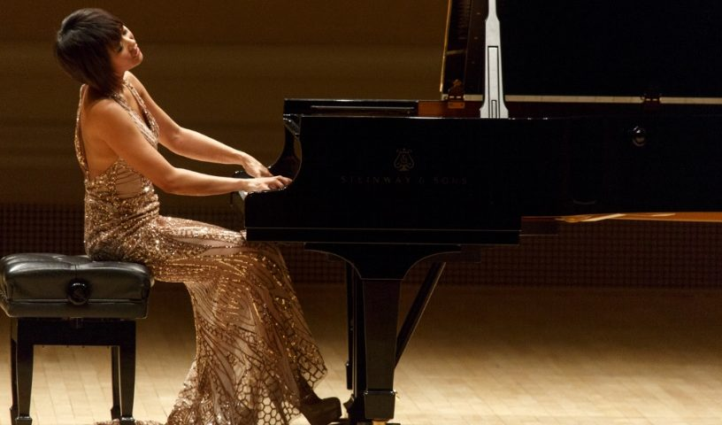 Yuja Wang - Piano tips - playing both hands - left hand - piano hacks