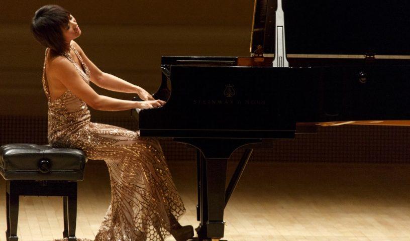 Yuja Wang - Piano tips - playing both hands - left hand - piano hacks